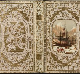 """Couverture en papier gaufré de Mame, éditeur à Tours, sur : """"Les naufragés au Spitzberg"""", 1850 [TT 12 2295]. Photo médiathèque Jacques-Chirac, Troyes Champagne métropole"""
